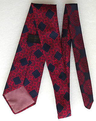 Vintage 1960s kipper tie Navy blue Red check Wide Washable polyester brocade